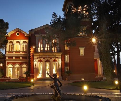 Hotel Villa Romanazzi Carducci </br> **** </br> Bari